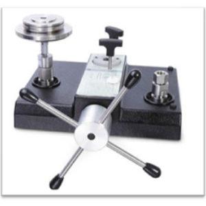 Precision Pressure Gauge Calibrator